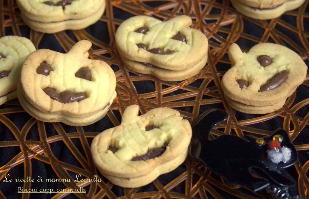 BISCOTTI DOPPI CON NUTELLA -ricetta dolce halloween
