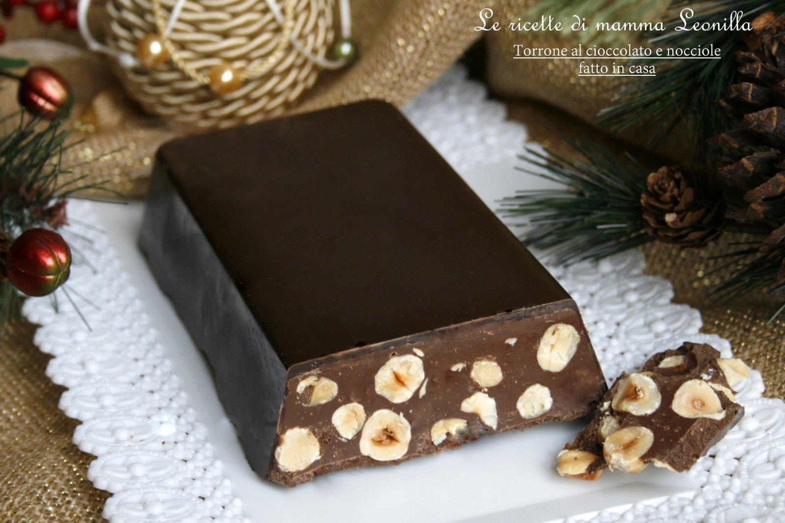 Casetta Di Natale Di Cioccolato : Torrone al cioccolato e nocciole fatto in casa ricetta facile e