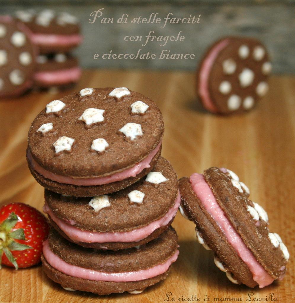 PAN DI STELLE FARCITI con fragole e cioccolato bianco