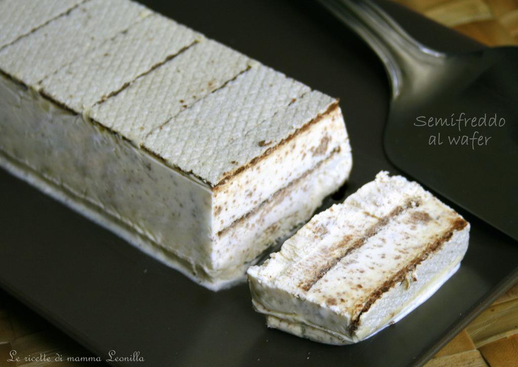 Semifreddo al wafer torta gelato facile for Decorazione torte con wafer