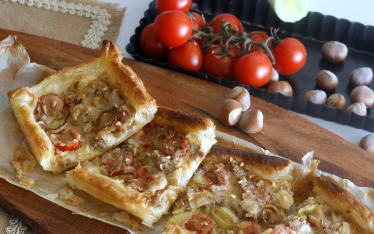 TORTA SALATA AI PORRI SALSICCIA E NOCCIOLE, ricetta facile