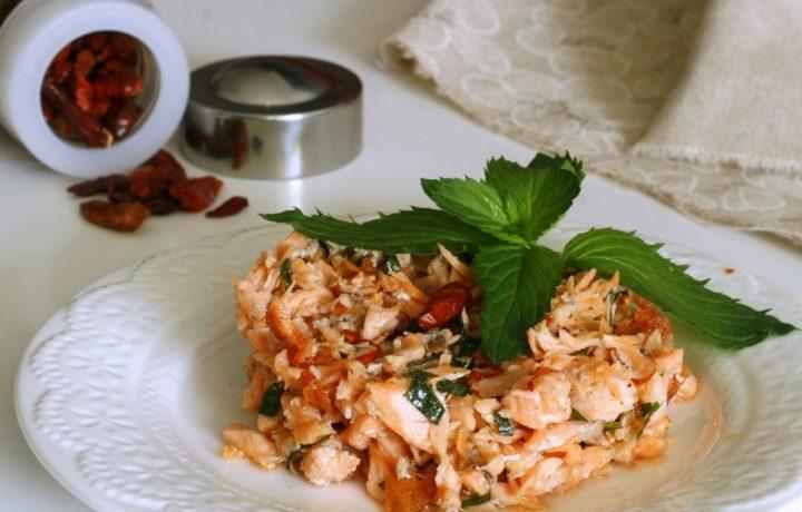 SALMONE ALLA MENTA IN PADELLA, ricetta secondo di pesce veloce