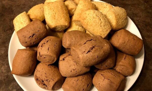 Biscotti inzupposi bianchi e neri