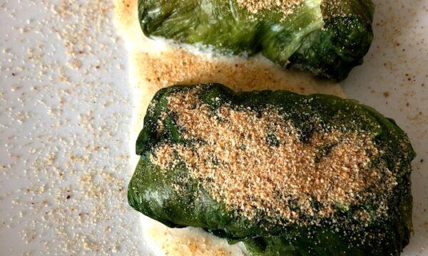 Involtini di scarola con salsa al parmigiano