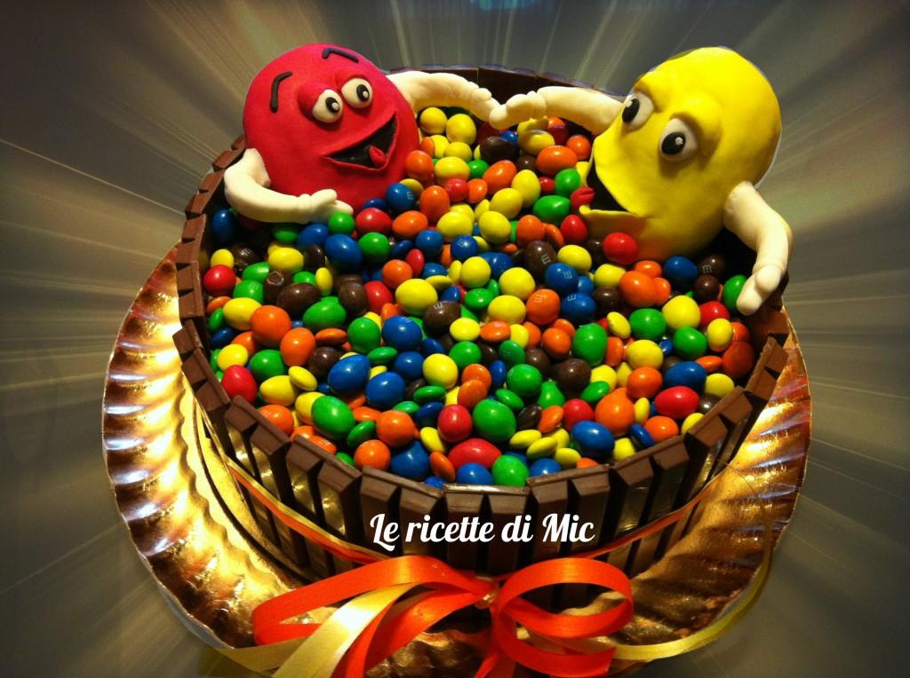 torta kit kat e m&m