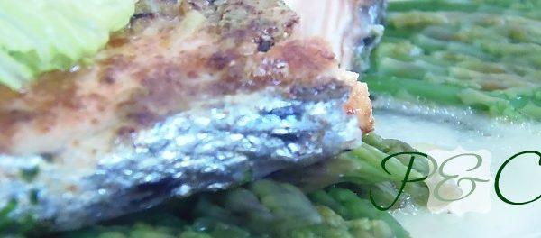 Rosa salmone: salmone grigliato alle erbe aromatiche leggero e saporito !