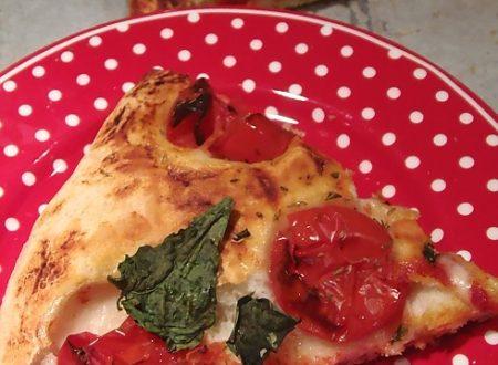 Pizza croccante pomodoro e basilico | impasto pizza
