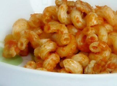 Pasta al Sugo Fresco di pomodorini,ricetta veloce
