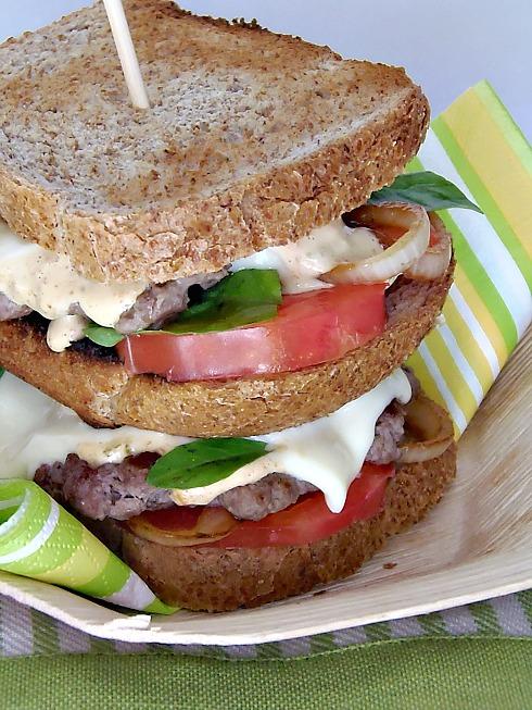hamburger con salsa speciale