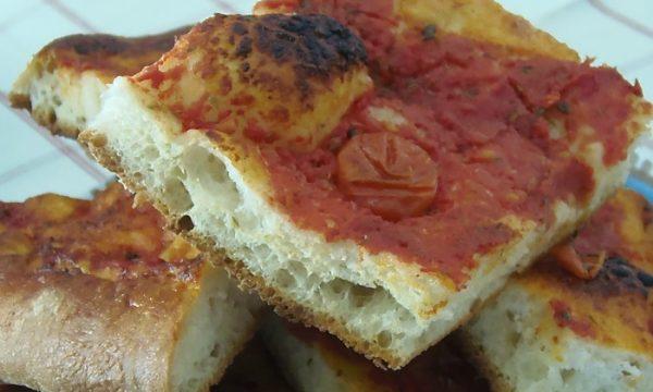 Pizza al pomodoro di grano duro