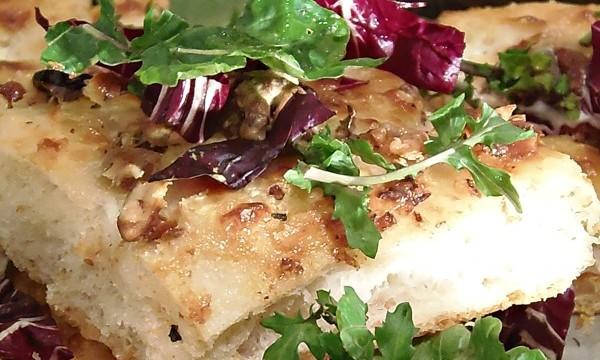 Impasto pizza soffice mascarpone e noci