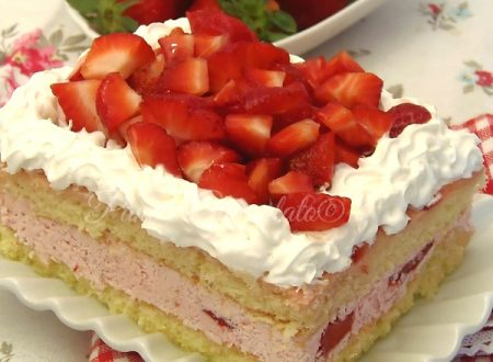 Torta FRAGOLA ricca di fragole