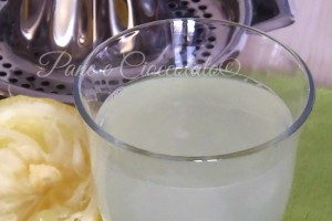Acqua e Limone per Disintossicarsi e Dimagrire
