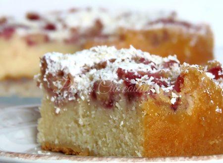 Torta Morbida di Fragole e Cioccolato bianco