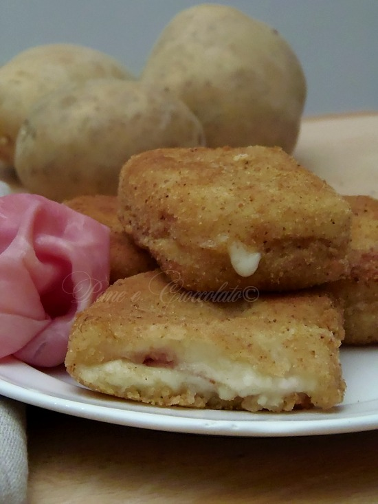 Tramezzini di Patate con Prosciutto e Mozzarella