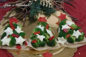 Alberelli di Natale di Piadina verdure e mozzarella