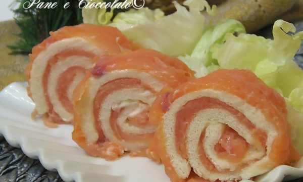 Rotoli di Salmone e philadelphia veloci ricetta antipasto