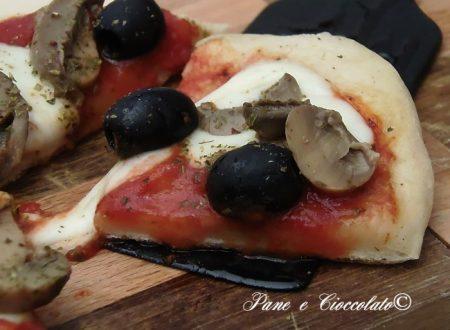 Pizza Capricciosa in padella senza prosciutto