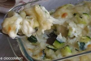 Pizza di patate e zucchine bianca
