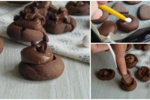 Biscotti pieni di cioccolata