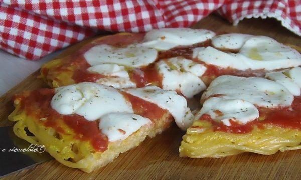 Frittata di spaghetti alla pizza