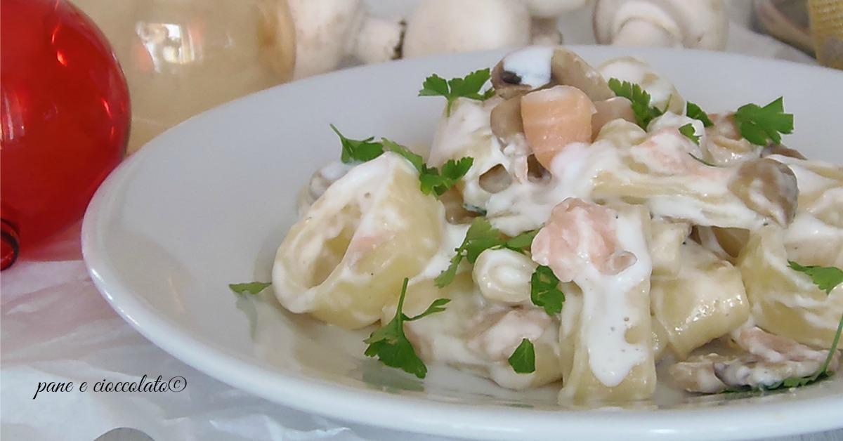 Calamarata cremosa funghi e salmone