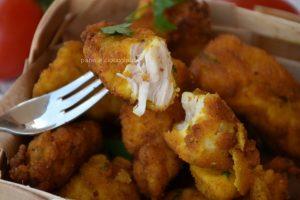 Bocconcini di pollo fritto con impanatura che non sporca