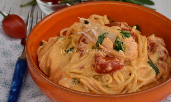 Spaghetti scampi con crema di scampi e pomodoro