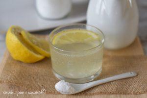 Bicchierino digestivo istantaneo contro i bruciori di stomaco