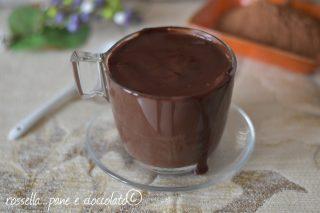Come fare la cioccolata calda densa e cremosa in casa