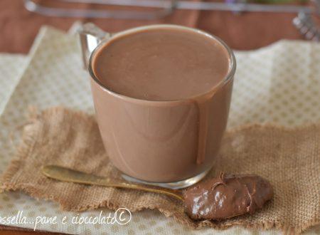 Cioccolata calda alla Nutella cremosa pronta in 5 minuti