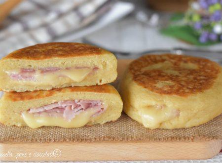 Focaccine di Patate prosciutto e formaggio in padella