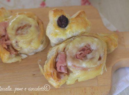 Coniglietti di pasta sfoglia alla mortadella e formaggio