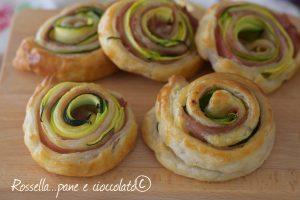 Rose di pasta sfoglia alle Zucchine e Mortadella