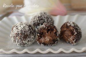 Palline nutella e cocco fredde senza cottura