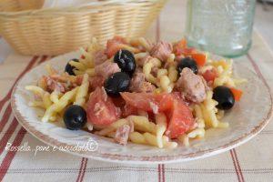 Pasta fredda tonno pomodori e olive