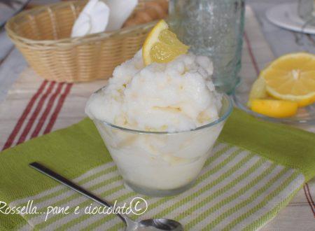 Sorbetto al Limone Cremoso senza gelatiera e velocissimo