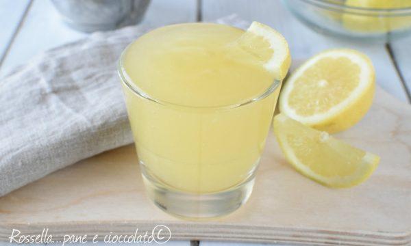 Crema al limone senza uova per la copertura di cheesecake