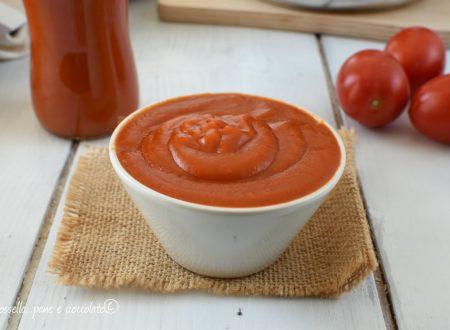 Ricetta Ketchup Fatto in casa velocissimo da conservare per l'inverno