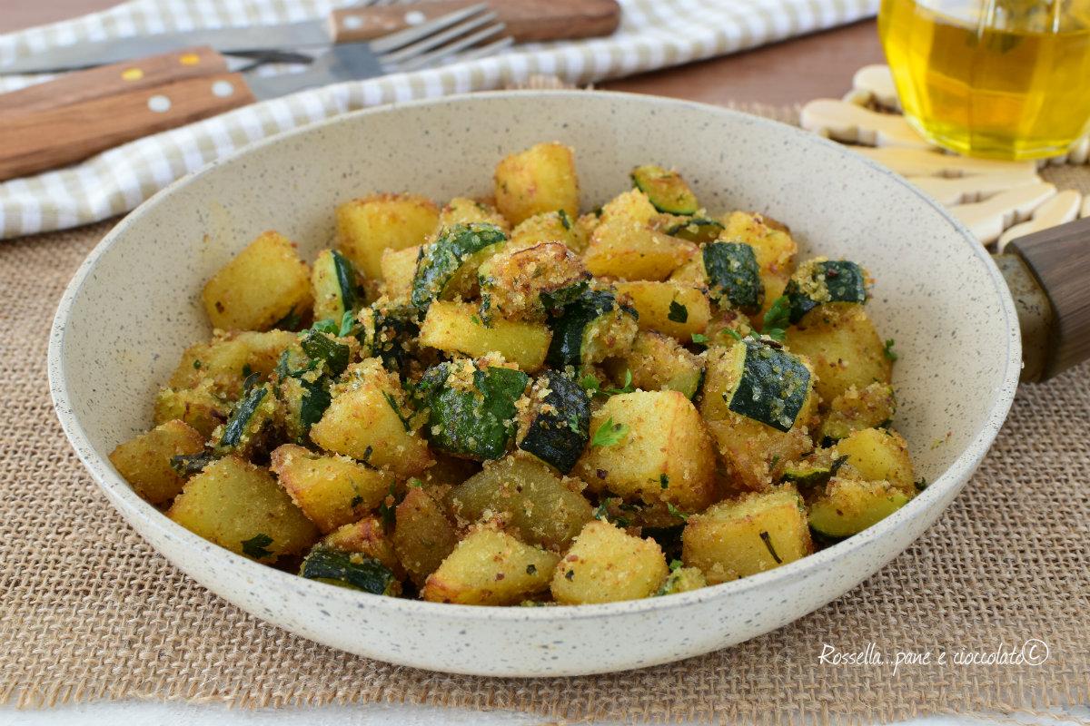 Ricetta Patate E Zucchine In Padella.Zucchine E Patate Cottura In Padella Contorno Saporito Veloce