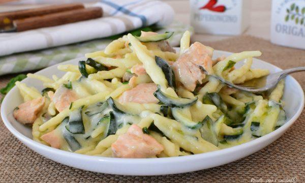 PASTA Zucchine Salmone e Crema al Gorgonzola
