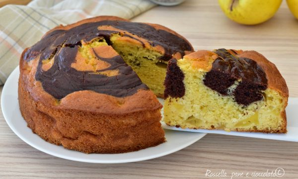 Torta di Mele Variegata al Cacao