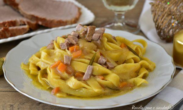 Tagliatelle COTTE in salsa Arrosto PIATTO di Pasta tradizionale