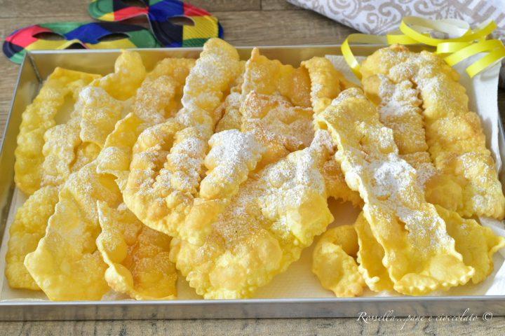 chiacchiere emiliane chiacchiere friabili ricetta delle chiacchiere frappe dolci di carnevale