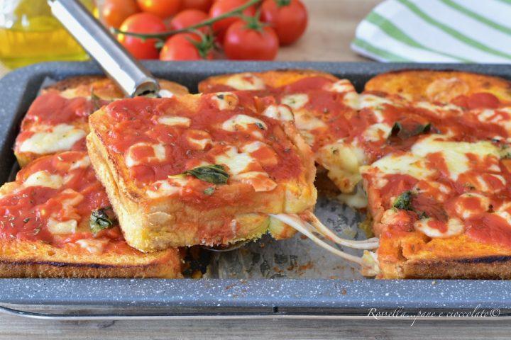 TORTA di Toast alla PIZZA Ricetta Pomodoro e mozzarella