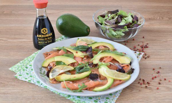 Insalata di Salmone e Avocado Ricetta fresca da Antipasto
