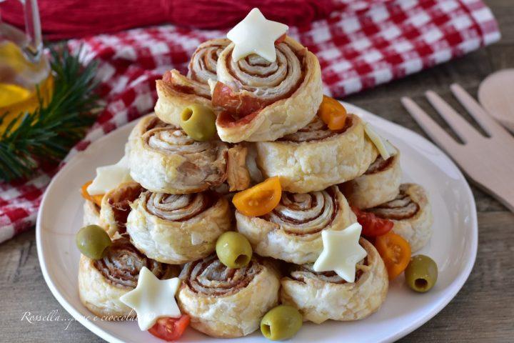 Girelle di Pasta Sfoglia Natalizie da ANTIPASTO Ripiene e gustose