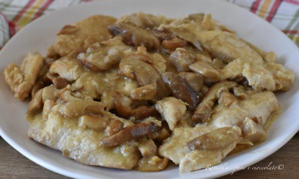 Petto di pollo cremoso ai Funghi la Ricetta del Secondo PIATTO in Padella