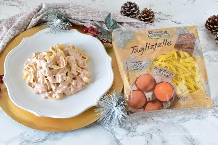 Tagliatelle alla Crema di Salmone La ricetta della PASTA cremosa in casa!