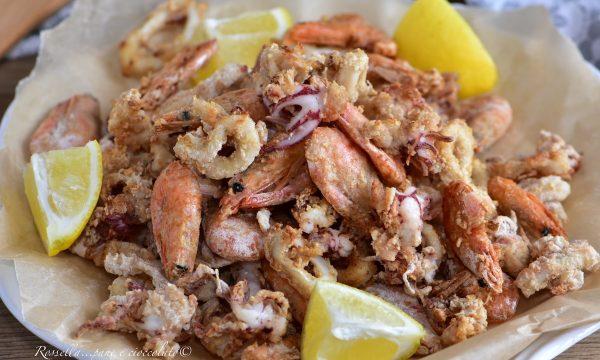 Frittura di Gamberi e Calamari alla Siciliana croccanti la Ricetta del Piatto perfetto